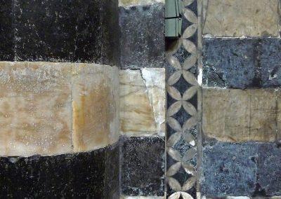 Muro: righe (due interruttori), Duomo di Siena