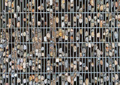 Griglia e sassi, Il Giardino dei Tarocchi, Grosseto
